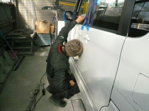 ドアの修理作業【IMPROVE】